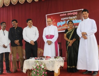 Christmas celebrations with media persons at Udupi