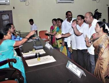Udupi CMC meeting ends amid chaotic scenes