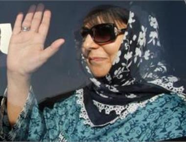 Mehbooba to be sworn in as first woman CM of J-K on April 4