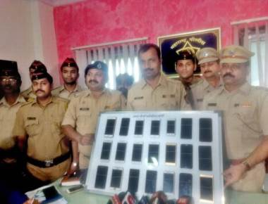Phone theft racket busted during visarjan