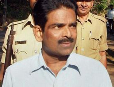 High Court commutes death sentence of Cyanide Mohan