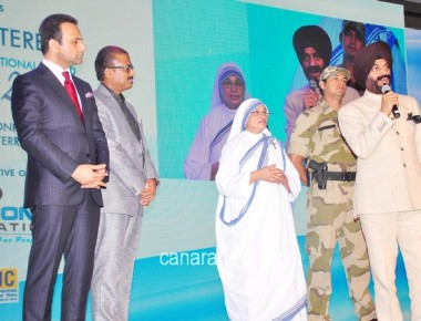Heroes of Peace honoured at The Mother Teresa Memorial International Award for Social Justice
