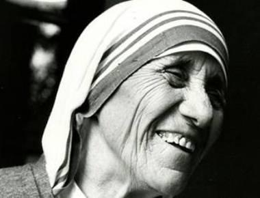 Kolkata celebrates Mother Teresa's 107th birthday