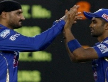 Mumbai brush aside Hyderabad to march into IPL play-offs