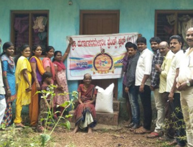 Nandalike Abbanadka Friends Club distributes rice to poor families