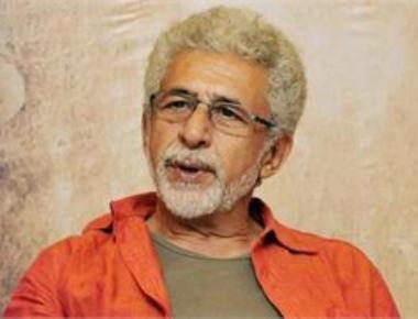 Naseeruddin Shah's oblique attack on Kher stirs controversy