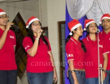 Singers exhibit flair at 'Natalam Gitam Gayan Spardo' carol singing