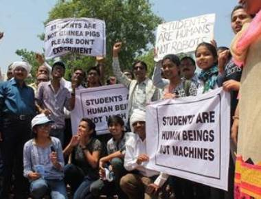 Cabinet clears ordinance to defer NEET for a year