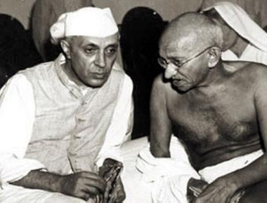 Godse should have targeted Nehru, says RSS; Congress hits back