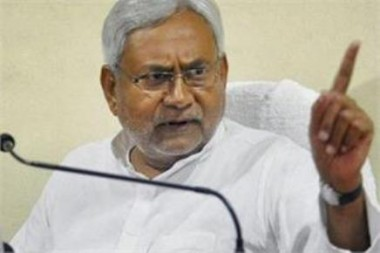 Stones hurled at Nitish Kumar's cavalcade; CM safe