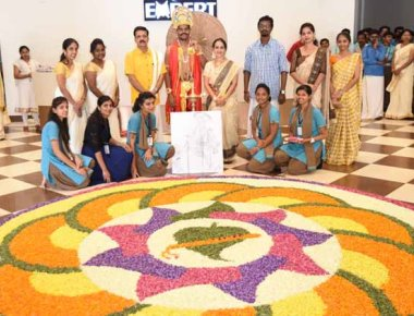Expert P U College celebrate Onam