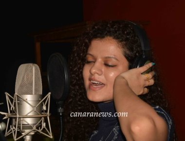 "Singer Palak Muchhal Recorded song for Hindi Film ""Jaan Abhi Baki Hai"""