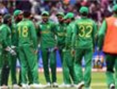 Pakistan punish errant England to enter maiden CT final