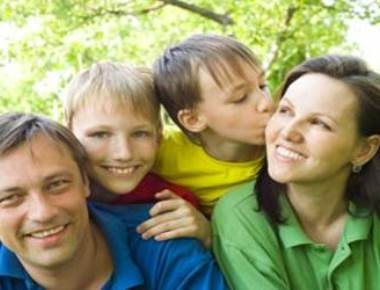 Parent-child bonds may affect your midlife health