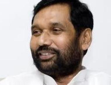 Paswan seeks onion MEP at USD 450/tonne to check price rise