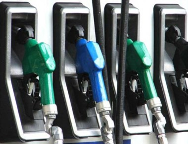 Petrol pumps in Karnataka to function on Sundays too
