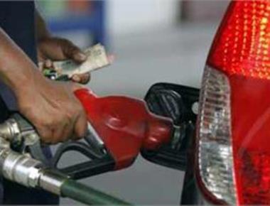 Petrol crosses Rs 91 mark, LPG above Rs 500
