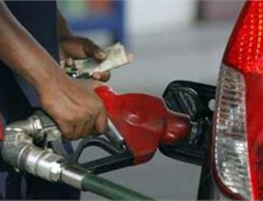 Petrol, diesel prices cut by Rs 2.50 after excise reduction; oil cos absorbing Re 1