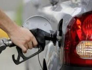 Petrol price cut by Rs 1.42/litre, diesel by Rs 2.01 a litre
