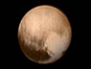 NASA's probe beams back new Pluto images