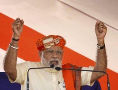 Why does Pak Army ex-DG want Ahmed Patel as Guj CM: Modi