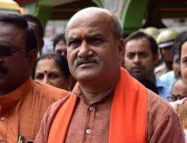 Pramod Muthalik hits out at BJP and Congress