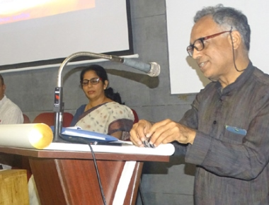 Prof Salil Mishra enlightens minds on 'Gandhi & Indian Nationalism' at SAC