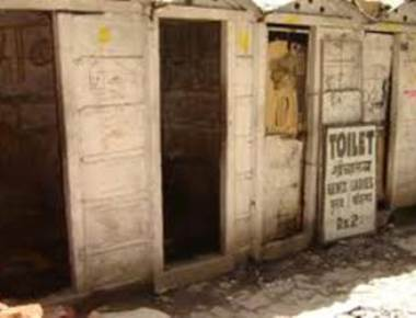 Toilets mandatory at Udupi migrant workers colonies?