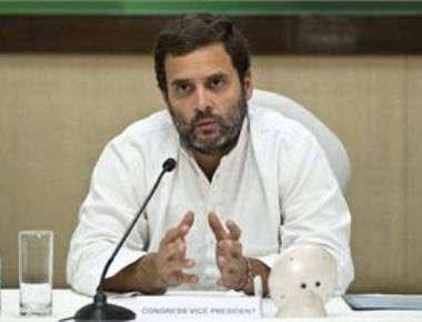 Rahul meets Kerala fishermen, promises separate fisheries ministry if Cong wins LS polls