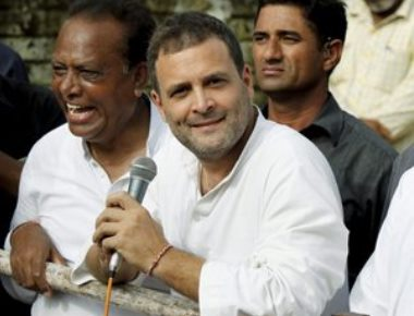 Rahul attacked, heckled in flood-hit Gujarat