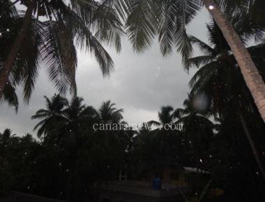Showers bring down soaring temperature in Karnataka