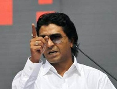 Raj Thackeray directs MNS activists to burn autos run by non-Maharashtrians