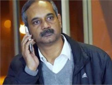 CBI arrests Kejriwal's key aide in a graft case, AAP livid