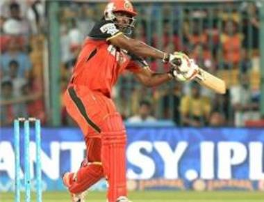 Gayle, Kohli power RCB to 213-2 against Gujarat in IPL