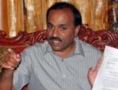 Janardhana Reddy will influence witnesses if allowed to visit Ballari, CBI tells