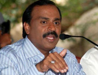 Mining baron Gali Janardhan Reddy visits Udupi Sri Krishna Math