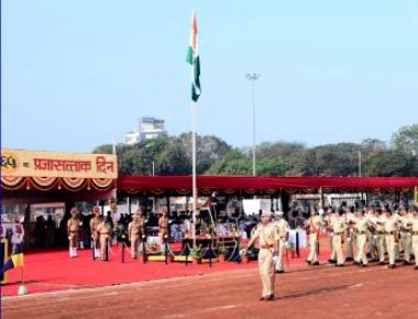 Republic Day: Maha Governor unfurls national flag, inspects Ceremonial parade; calls for 'Make in Maharashtra'