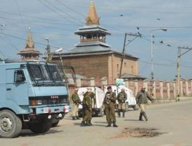 Restrictions, shutdown continue as tension grips Kashmir