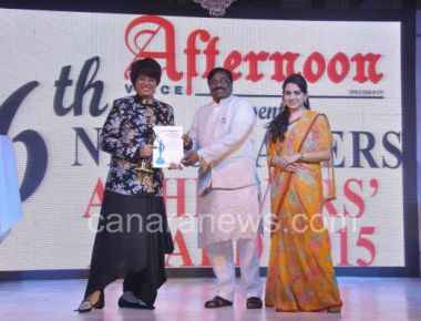 "Fashion Designer Rohit Verma awarded with ""Newsmakers Achievers Award"" 2015 for best costume desig"