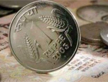 Rupee recovers from life low, rebounds 33 paise to 68.46