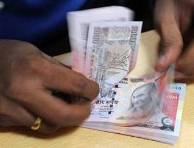 Strengthening dollar dents India's Forex reserves