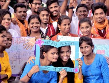 Access to public spaces: teenage girls stake their claim