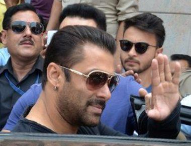 Salman wants fans to stop trolling SRK, Aamir Khan