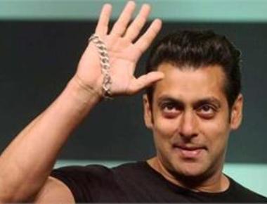 Salman Khan celebrates 51st birthday with friends, family