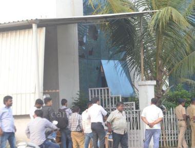 Saamana office attacked over cartoon