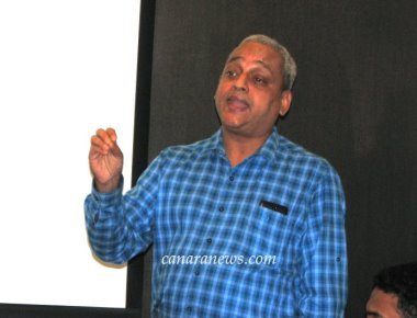 Dr Pereira Presents Awareness of the Indian Constitution for Christian Professionals