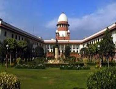SC seeks Centre's reply on status of non-Muslims in J&K