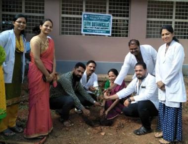 Planting of medicinal plants, information exchange programme held at SDM Ayurvedic College