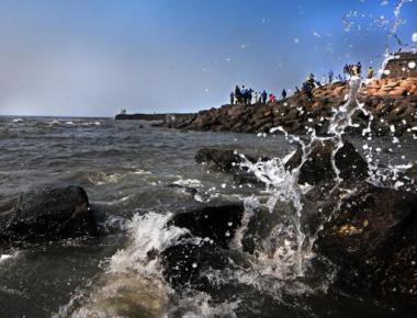 Two feared drowned as selfie spree turns tragic at Bandstand