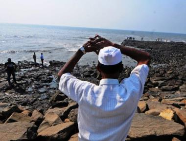 Mumbai police to identify 'no selfie zones' after Bandra incident